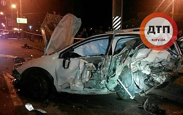 В Киеве водитель устроил смертельное ДТП и пытался сбежать