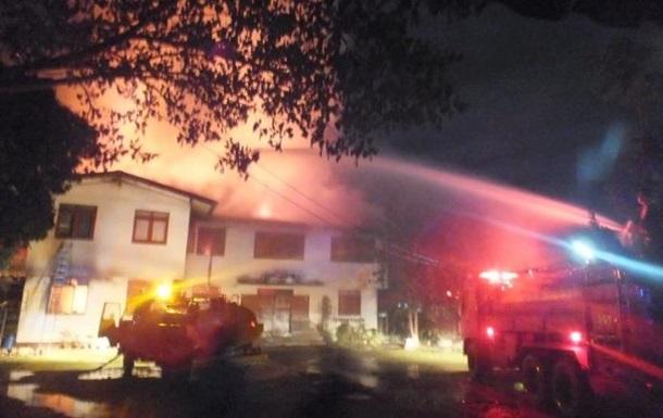 В Таиланде горело общежитие, погибли 17 девочек