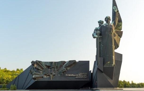 Старики Донбасса знают правду: «Я пережила ВОВ, но такого не видела…»