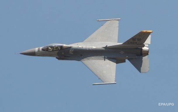 В США столкнулись два военных самолета