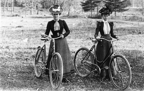 Фанати двох коліс. Історія появи велосипедів в Україні