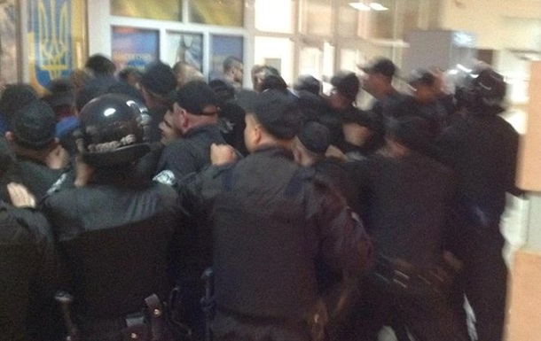 Справа 2 травня. У суді Одеси бійка з ПС через росіянина