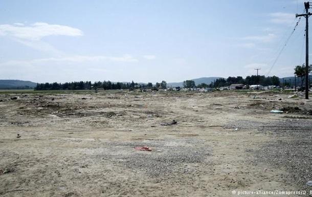 ЗМІ: Неподалік від Ідомені біженці розбили новий табір