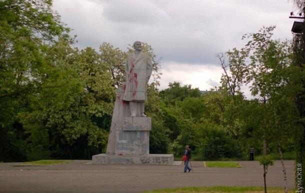 В Одессе снесли последнего Ленина