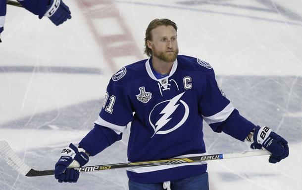 НХЛ. Стэмкос планирует остаться в Тампе