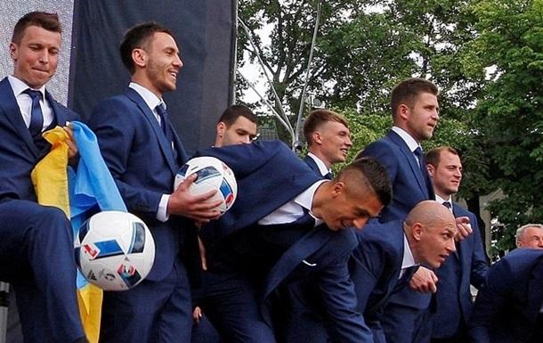 ТМ. Збірна України тричі пропускає, але обігрує Румунію