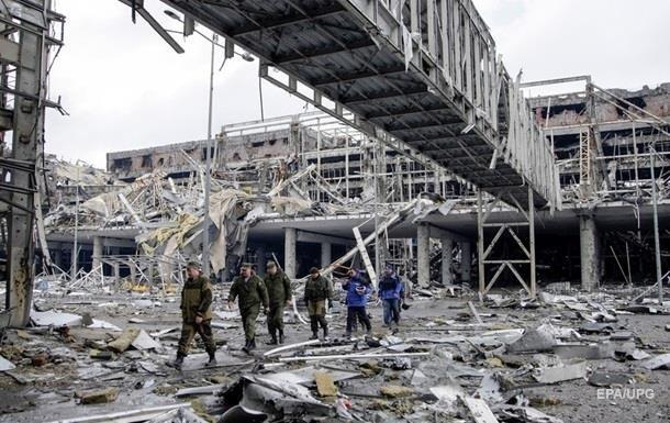 Журналіст показав список загиблих у бою за аеропорт Донецька росіян