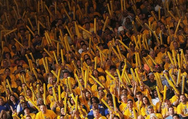 Билет во второй ряд матча Голден Стейт - Оклахома продан за 10000 долларов
