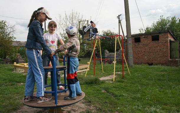 Павленко вимагає від Гройсмана посилити захист дітей на Донбасі