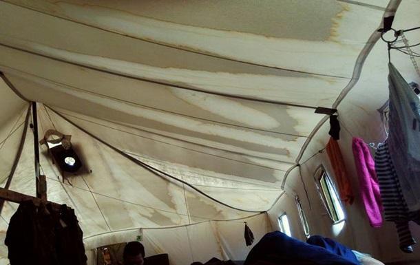 Первый же дождь уничтожил 500 армейских палаток
