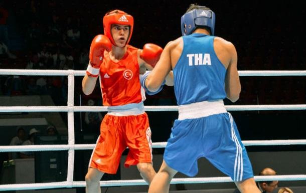 Бокс. АІБА дозволила професіоналам виступити в Ріо