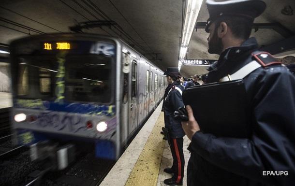Работники французского метро присоединились к забастовке