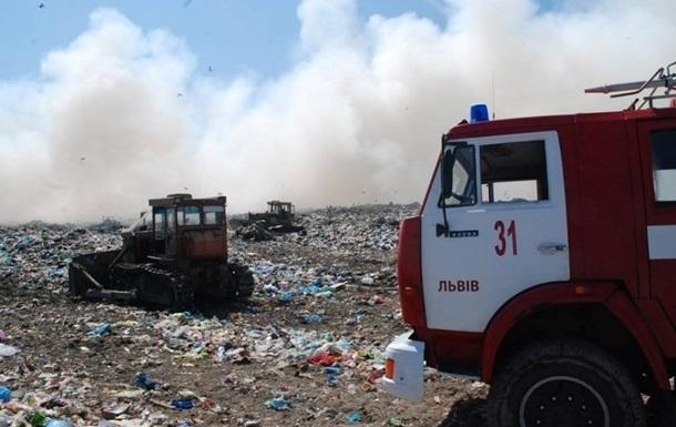 СБУ почала провадження за фактом пожежі на Грибовицькому сміттєзвалищі