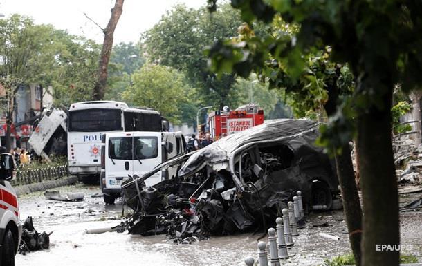 Теракт в Стамбуле: 11 человек погибли