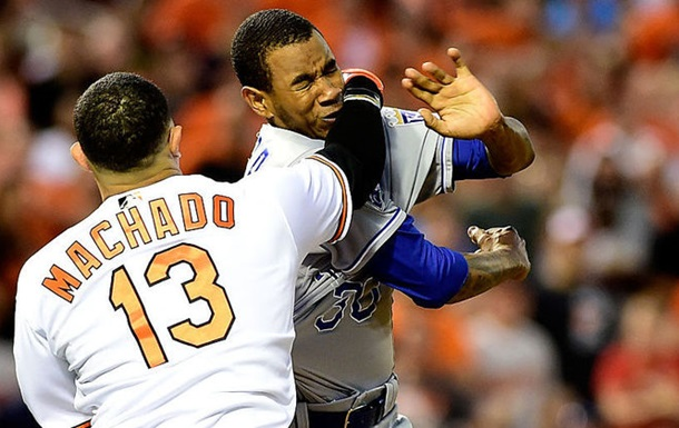 MLB. Бійка між гравцями Балтімора і Канзаса