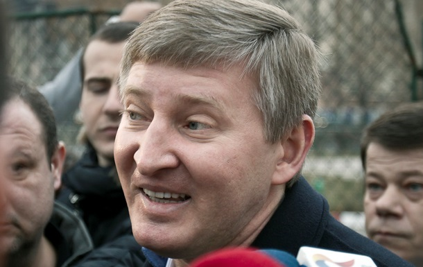 Захарченко пояснив заборону на в їзд Ахметову