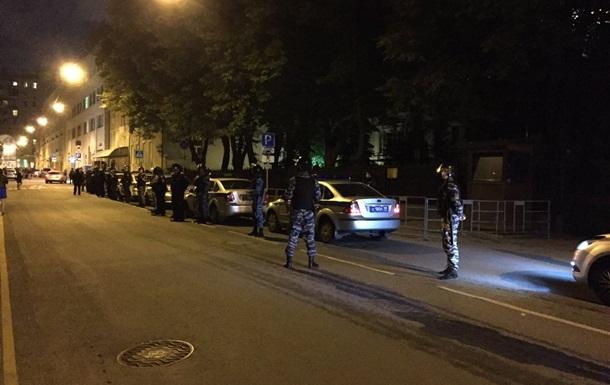 Посольство Украины в Москве забросали яйцами
