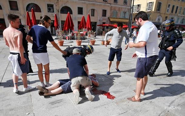 У Марселі тривають бої фанатів Англії та Росії