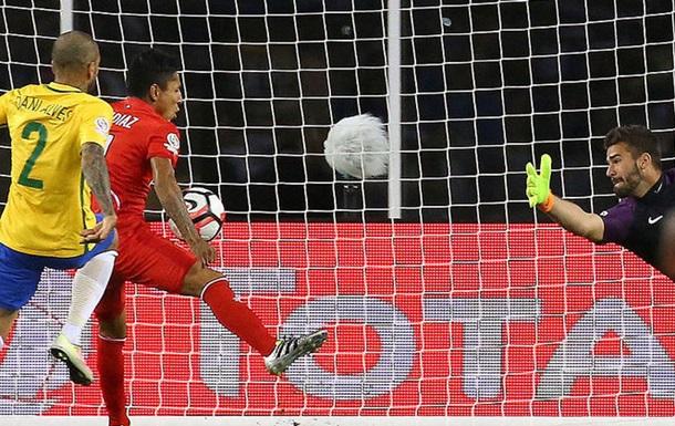 Доленосний гол рукою у ворота збірної Бразилії