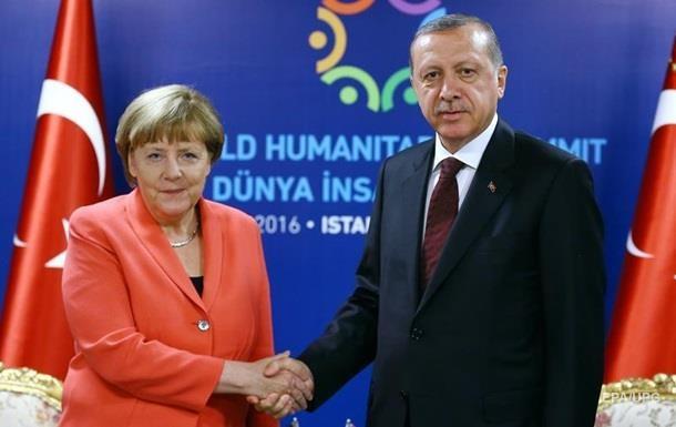 Меркель згодна поступитися Ердогану через мігрантів - ЗМІ