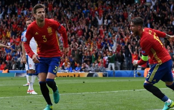 Испания минимально побеждает Чехию
