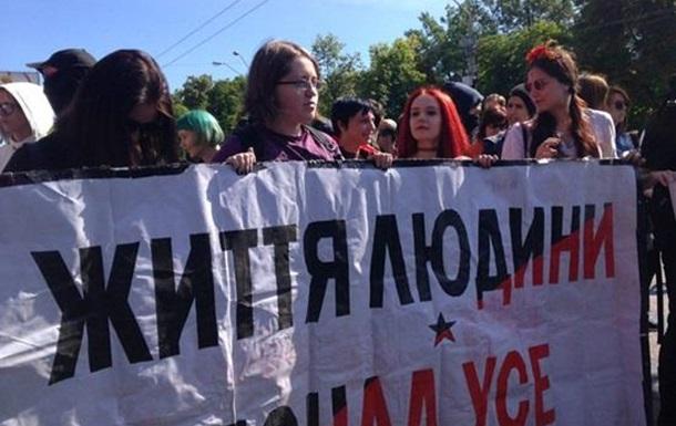 Особисті потреби меншин - понад життя українських бійців?