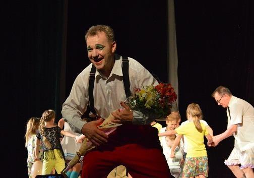 «Маски-Шоу» в Покровске дарили зрителям смех и радость