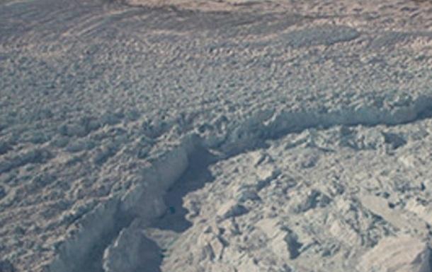 В Гренландии подо льдами обнаружена огромная река