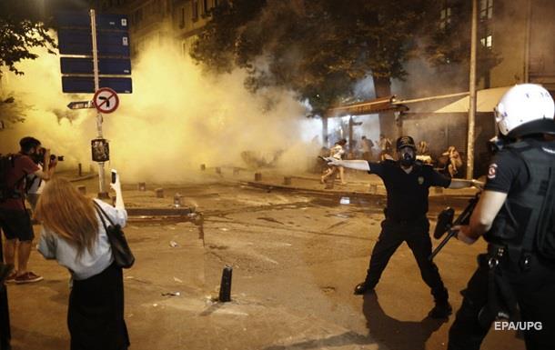 Полиция Стамбула разогнала митинг в поддержку фанатов Radiohead