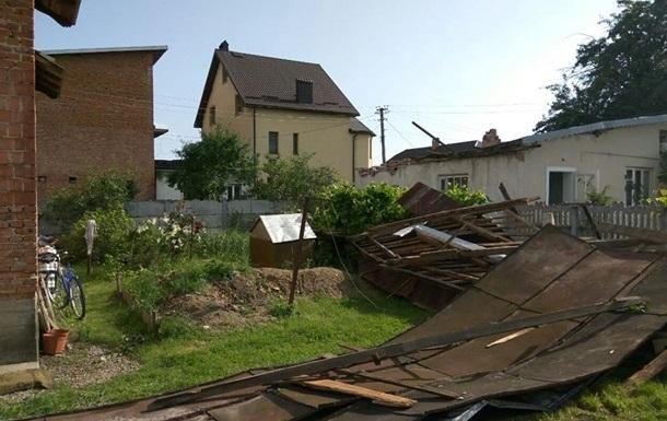 На Прикарпатье из-за непогоды погибла женщина