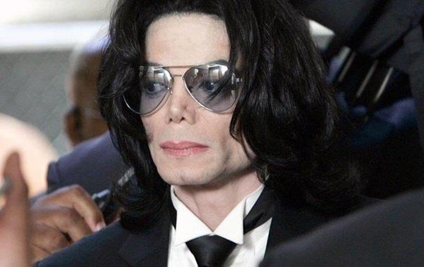 Майкл Джексон зберігав фото оголених дітей - ЗМІ