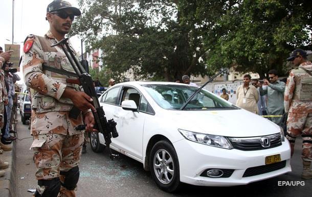 У Пакистані застрелили відомого співака