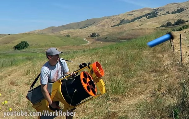 Экс-инженер NASA создал огромный бластер