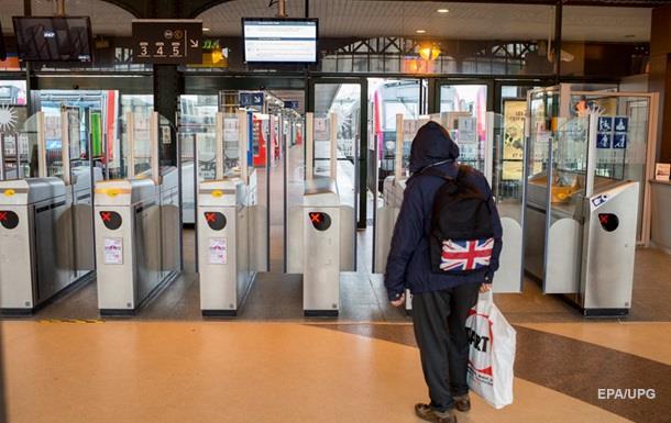 Британия продолжит пограничный контроль на вокзалах Франции