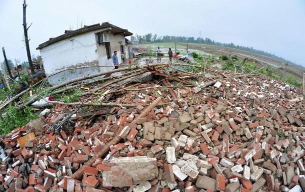 Майже сто людей стали жертвами урагану в Китаї