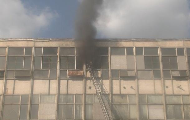 У Харкові горіла текстильна фабрика