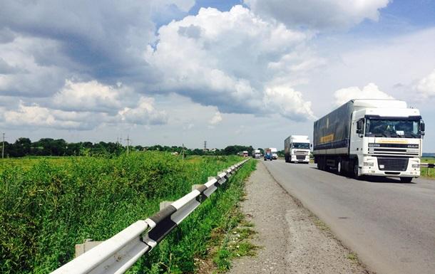 Штаб Ахметова відправить 11 автоколон з гуманітаркою на Донбас
