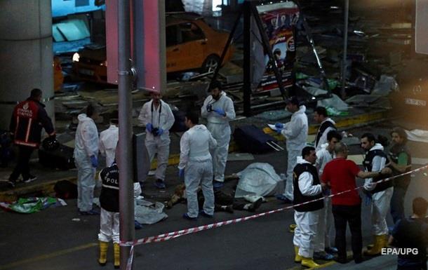 Число жертв теракта в аэропорту Стамбула увеличилось до 42