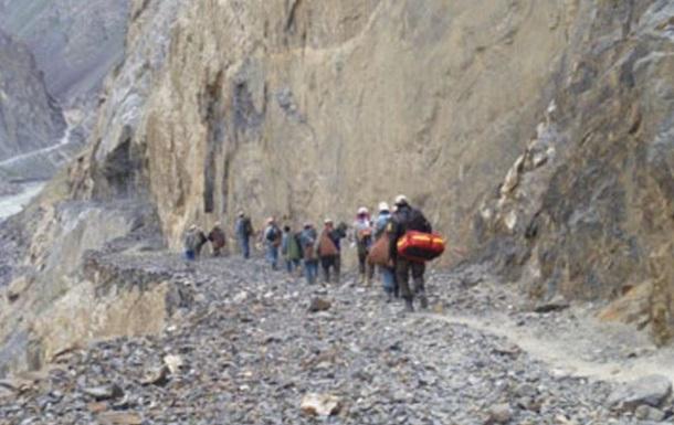 В Таджикистане в ДТП погибли пятеро швейцарских саперов