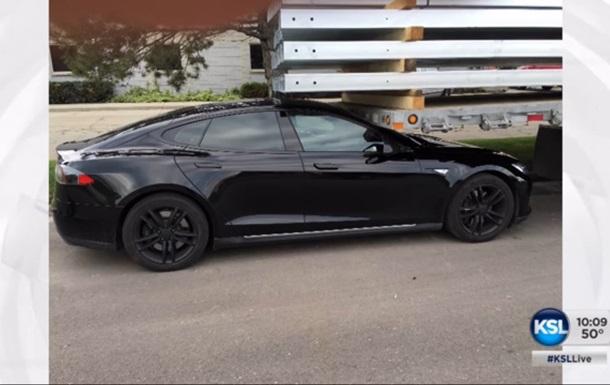 В США расследуют гибель водителя при работающем автопилоте Tesla