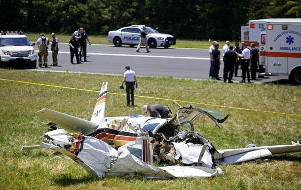 Легкомоторний літак розбився в Каліфорнії