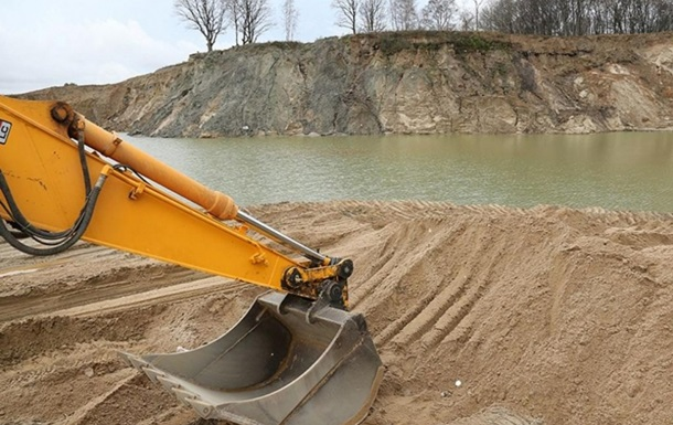 На Киевщине нелегальная добыча песка достигла  янтарных  масштабов - СМИ