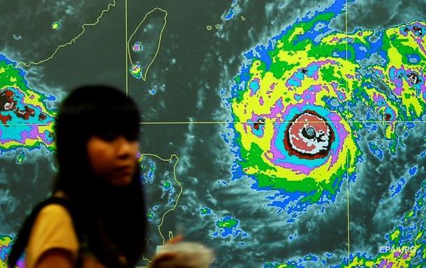 До Японії наближається потужний тайфун