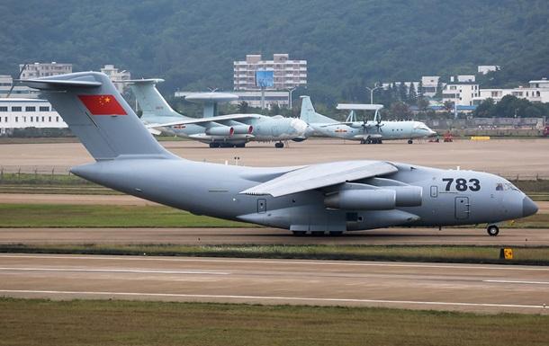 В КНР принят на вооружение крупнейший военно-транспортный самолет