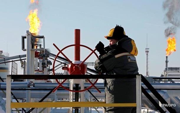 Россия заработала на продаже нефти в 1,5 раза меньше
