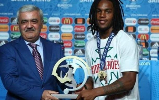 Санчеш - лучший молодой игрок Евро-2016