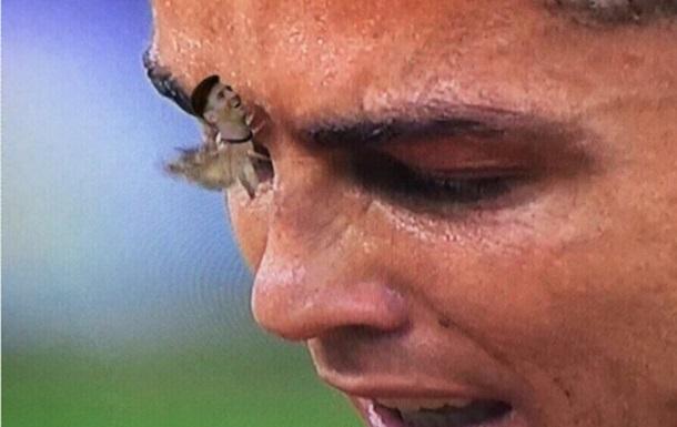 Ночной мотылек на заплаканном лице Роналду стал мемом