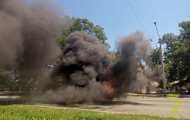 На дорозі в Одесі згоріло авто: виникла пробка