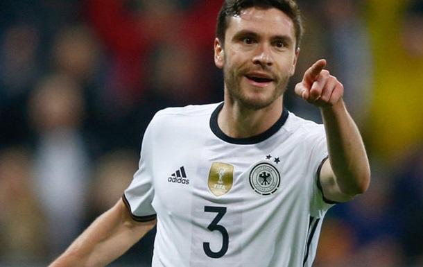 Барселона желает приобрести защитника сборной Германии