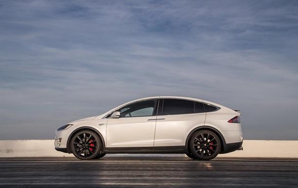 Автопилот Tesla попал в очередную аварию